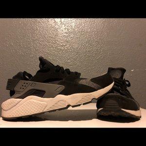 Nike huaraches (rarely worn)